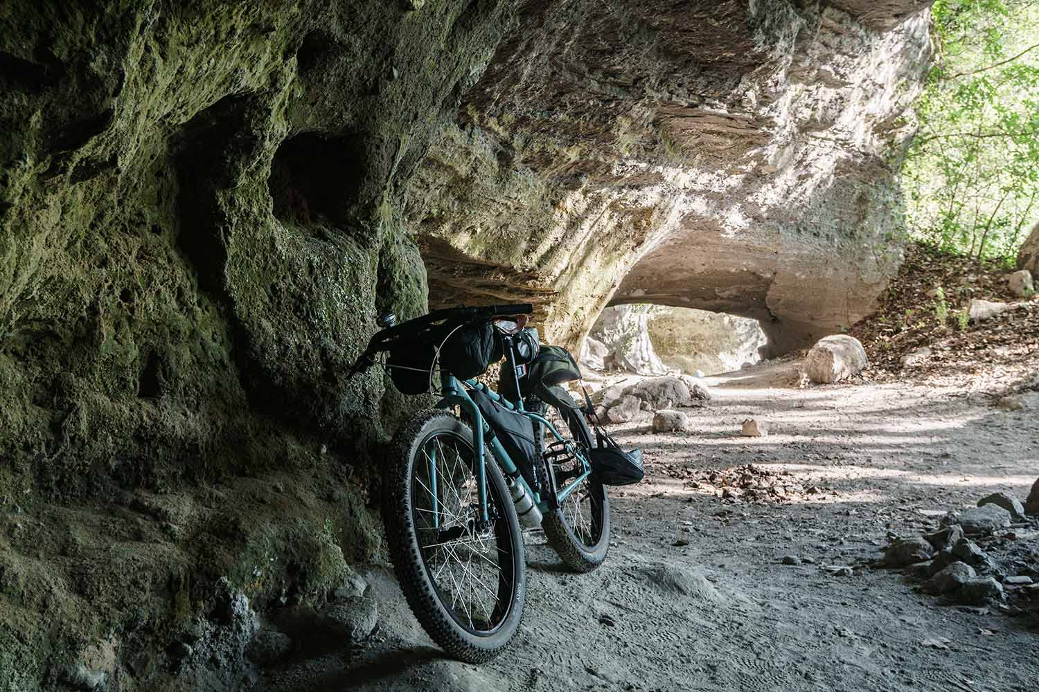 OFF-ROAD BIKEPACKING BIKES