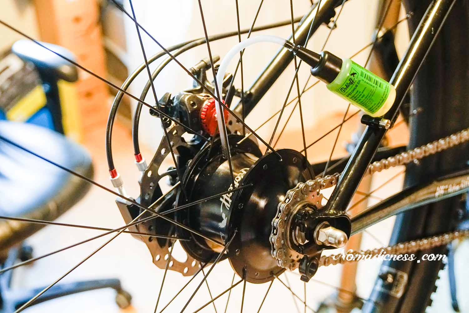 Rohloff Speedhub is filled with oil